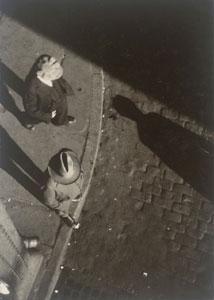 Walker Evans Street Scene New York 1928